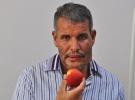 25 yıl sonra 'elma' yedi