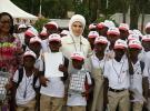 Emine Erdoğan Gana'da işitme engelli çocukları ziyaret etti