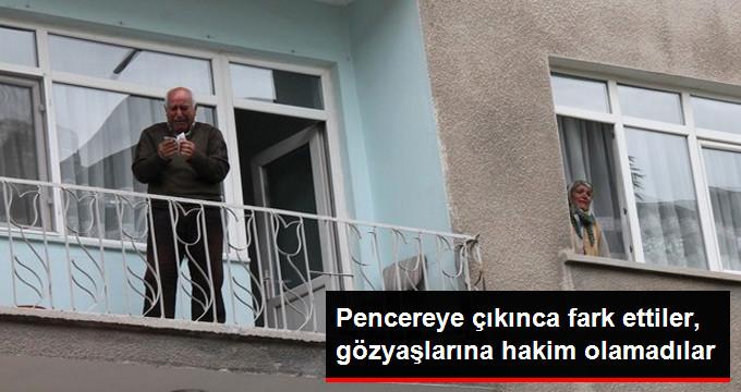 pencereye-cikinca-fark-ettiler-gozyaslarina_x_8413911_6078_z3[1]