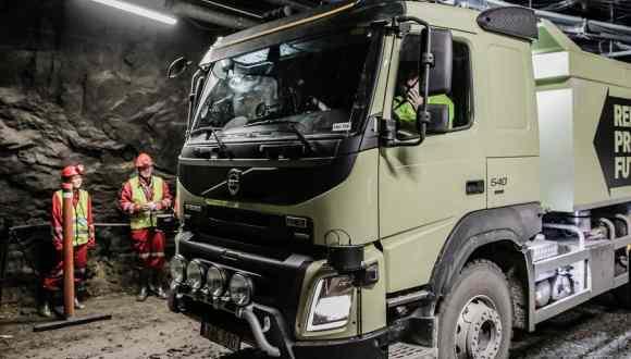 Volvo Sürücüsüz Tırları Test Ediyor!