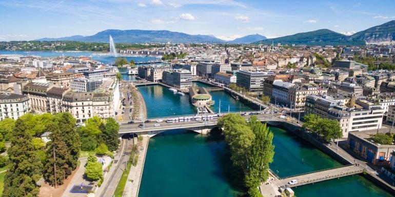 Dünyanın En Dakik Ülkesi İsviçre!