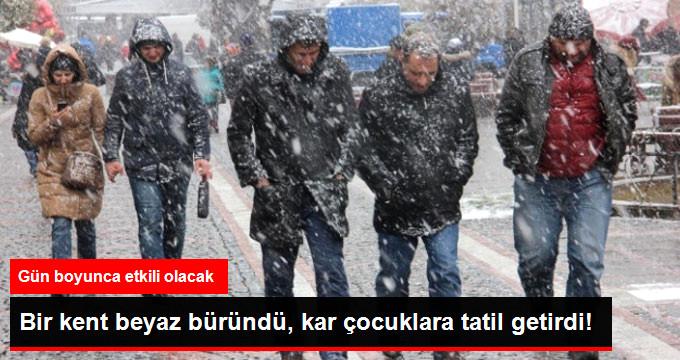 Edirne'de Kent Beyaza Büründü Okullar Tatil Edildi