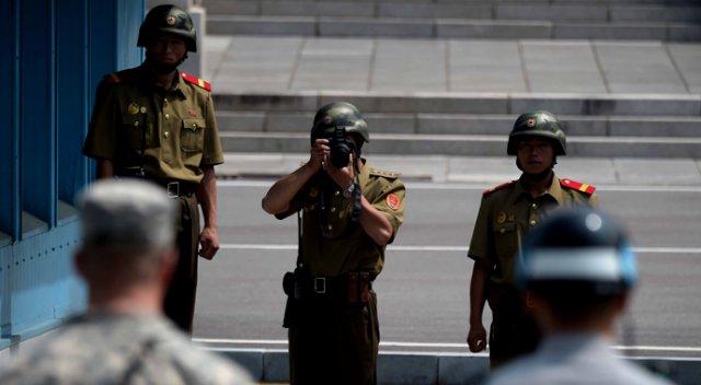 ABD Ve Kuzey Kore Askerleri Burun Buruna Geldi