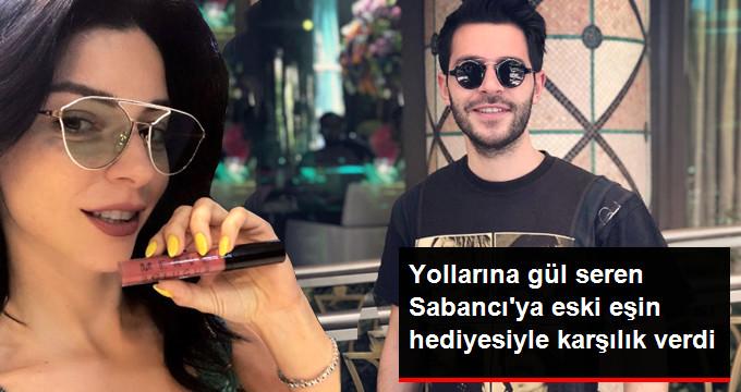 Sevgilisine Murat Dalkılıç'ın Aldığı Bileklikle Poz Verdi